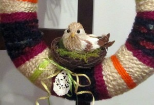 Yarn Wreath with Birdie